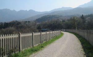 Passeggiando per la strada della vecchia ferrovia